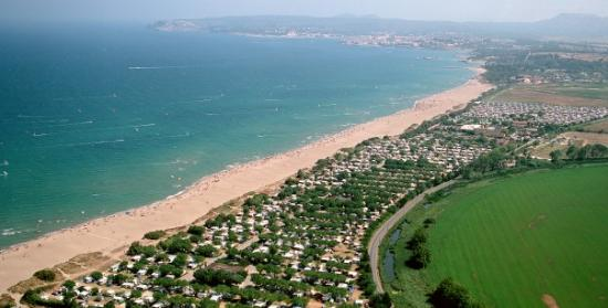 Photo of the environment Camping LA BALLENA ALEGRE in Sant Pere Pescador