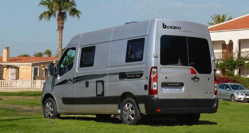 Exterior del modelo Benimar Benivan B106