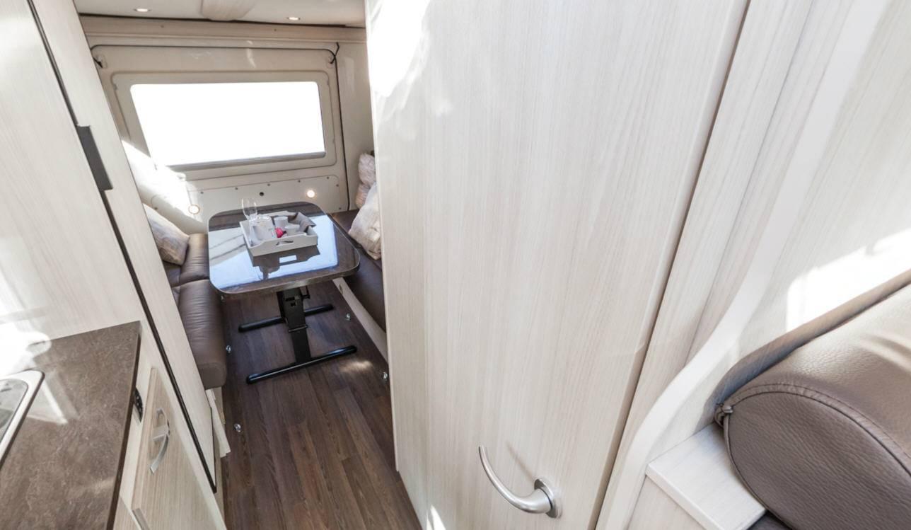 Bürstner Brevio T646 - Interior