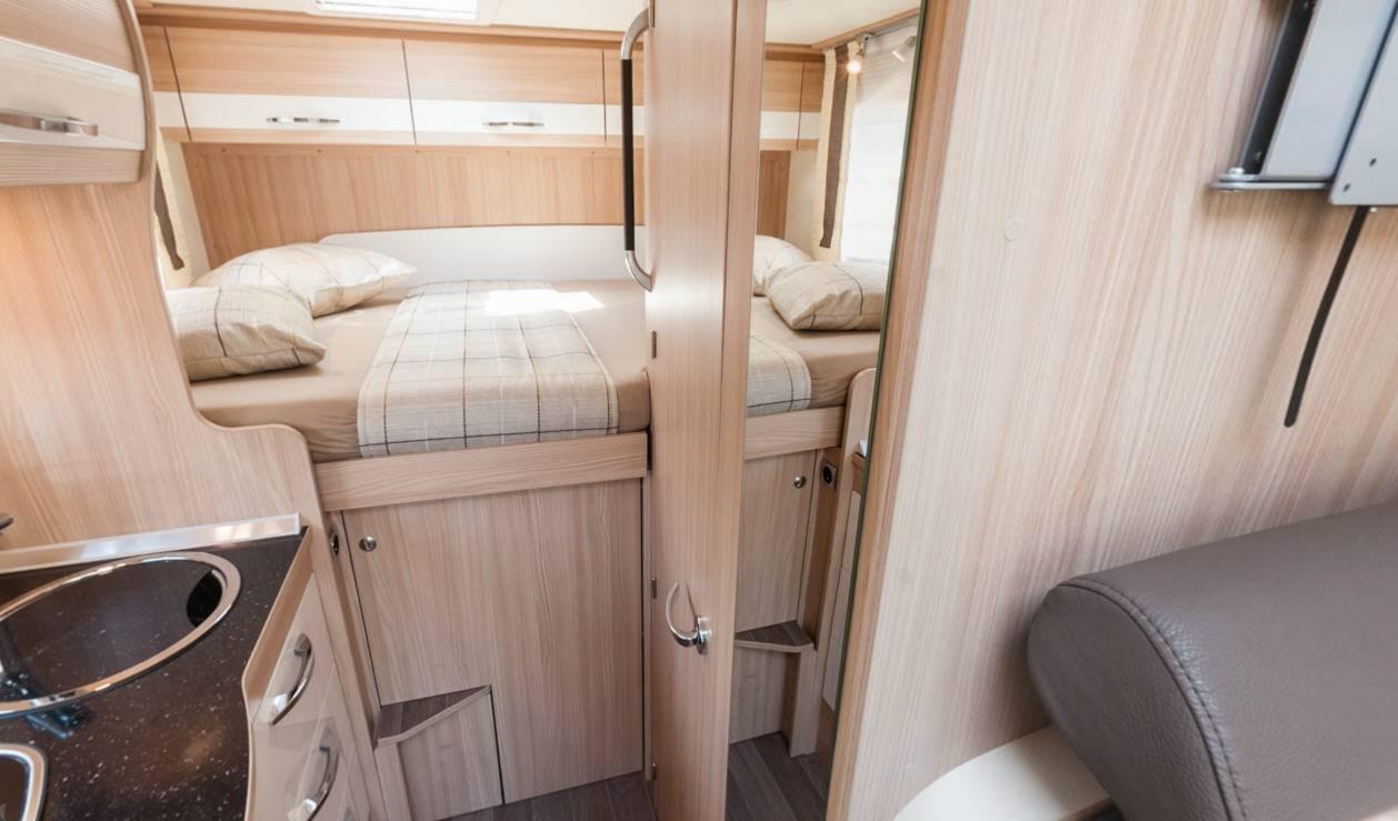 Bürstner Travel Van T590G - Interior