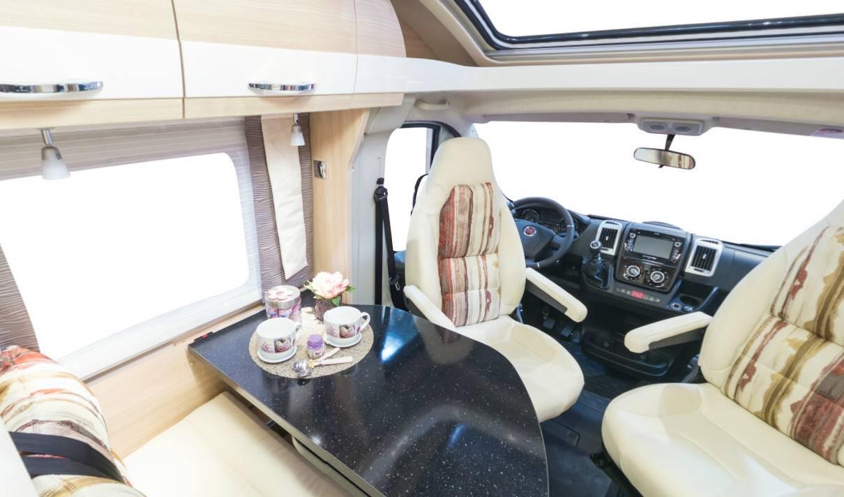 Bürstner Travel Van T690G - Interior