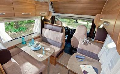 Challenger Genesis 65 - Interior