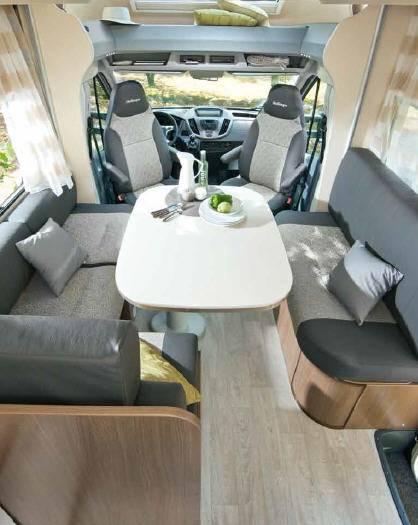 Challenger Genesis 190 - Interior
