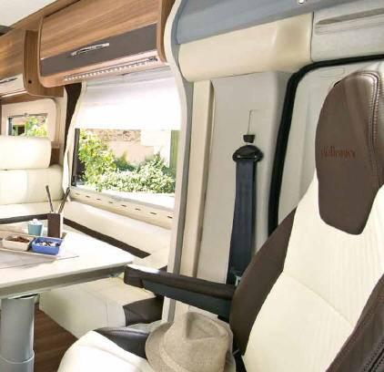 Challenger Genesis 195 - Interior