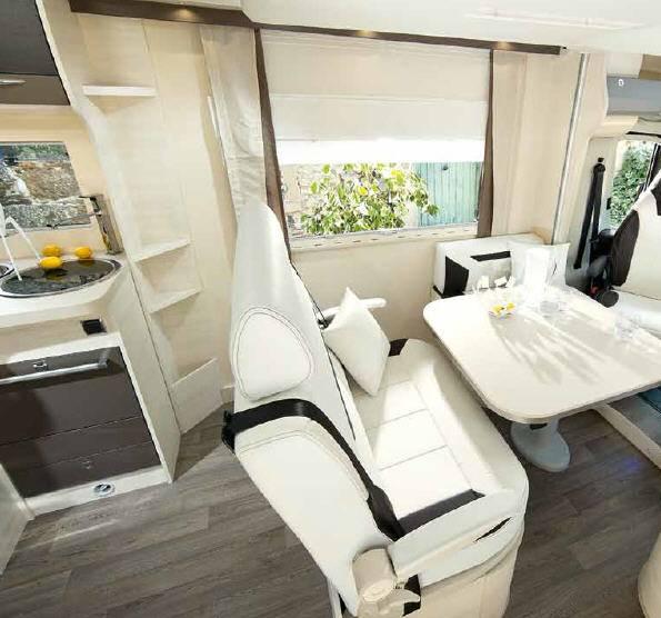 Challenger Mageo 280 - Interior