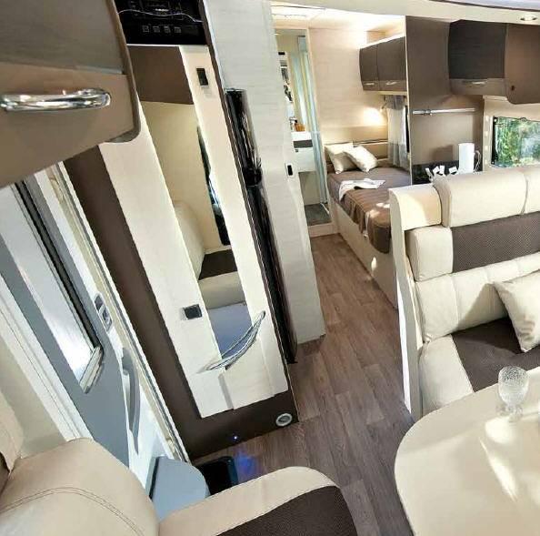 Challenger Mageo 377 - Interior