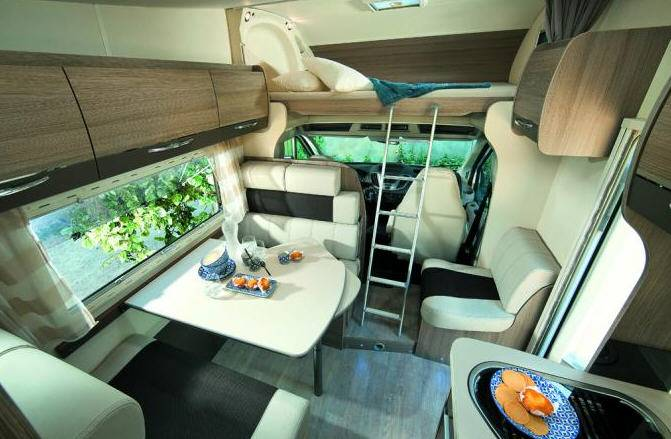 Challenger Genesis C266 - Interior