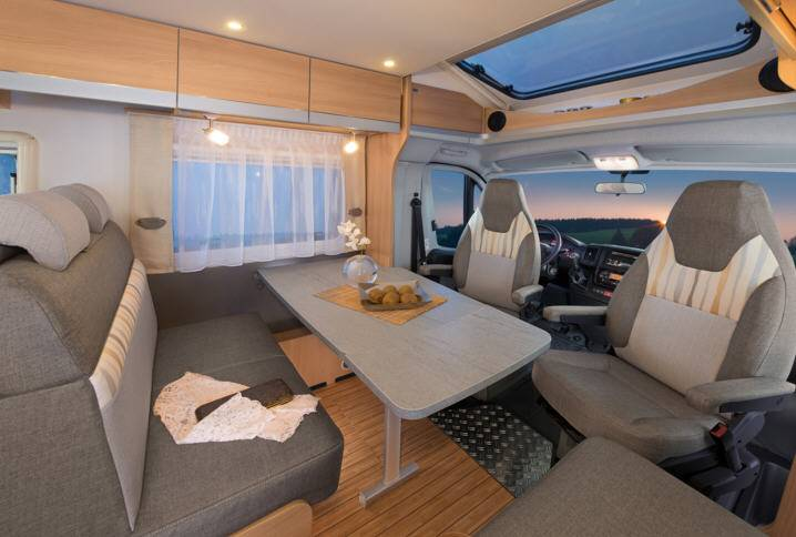 Dethleffs Globe 4 T T-7151-EB - Interior