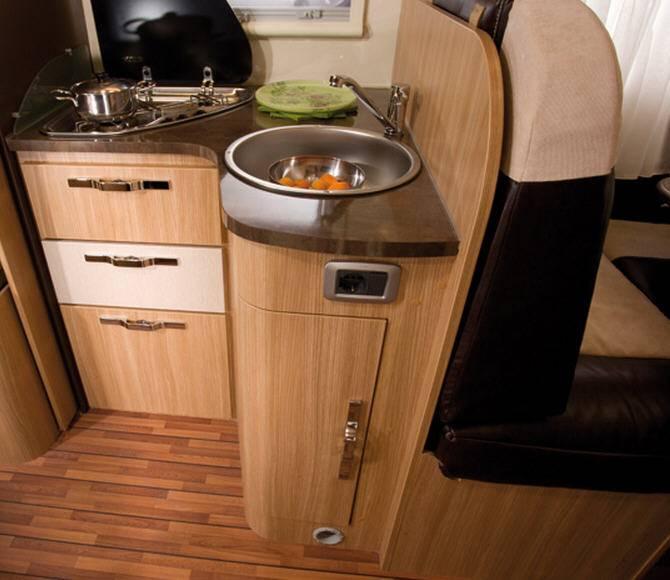 Elnagh T-Loft 350 - Interior