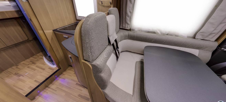 Laika Ecovip EV690 - Interior
