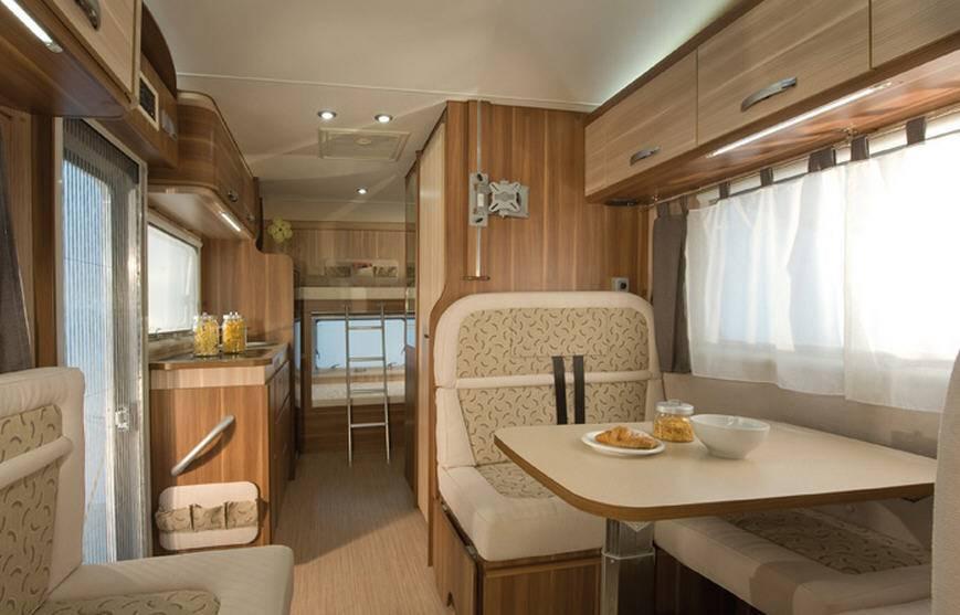 Mclouis Glamys 40G - Interior