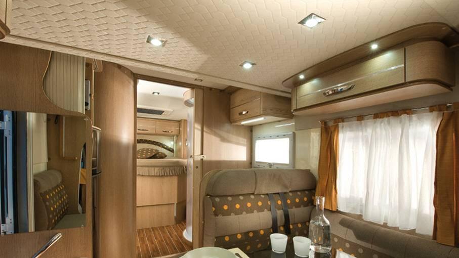 Mclouis Mc4 74G - Interior