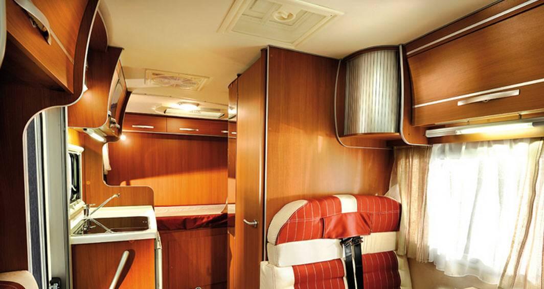 Mclouis McVan 3 - Interior