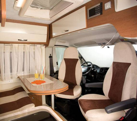 Mclouis Menfys van Van 3 Prestige - Interior