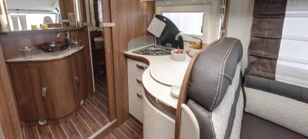 Mclouis Nevis 880G - Interior