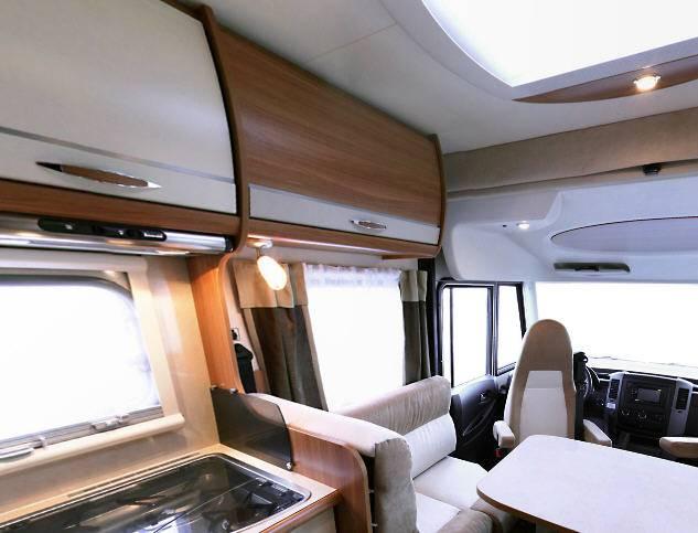 Rapido Serie 8 883 M - Interior