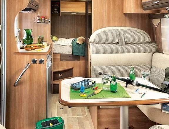 Rapido Serie 9 903 DF - Interior