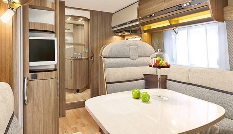 Rapido Serie 8 881 F - Interior