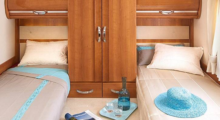 Rapido Serie 9 9060 DF Mobily - Design Edition - Interior