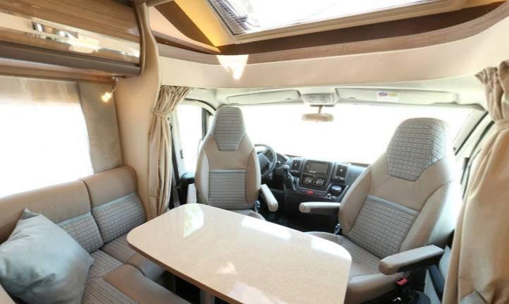 Rapido Serie 6 680 FF - Interior