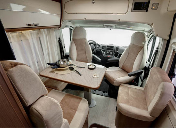 Roller Team LIVINGSTONE 3 ACTIVE - Interior
