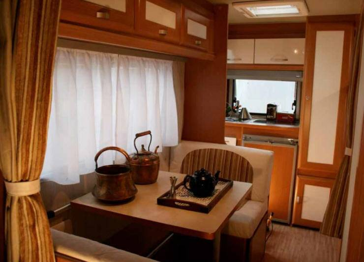 Across Safari 430CDL - Interior