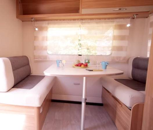 Caravelair Antares Style 496 - Interior