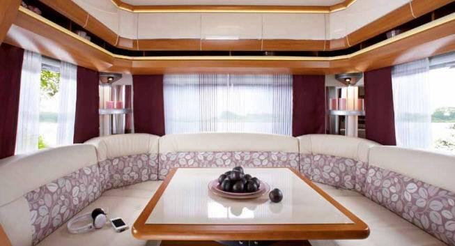 Hobby EXCELLENT 455 UF - Interior
