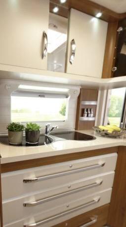 Hobby PREMIUM 560 WLU - Interior