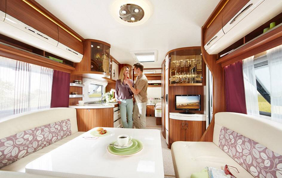 Hobby EXCELLENT 540-UL - Interior