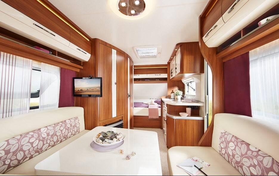 Hobby EXCELLENT 560-FFE - Interior