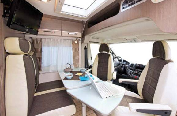 Bavaria Artic F 63 DJ - Interior