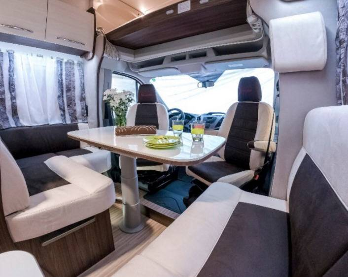 Benimar Sport S342 - Interior