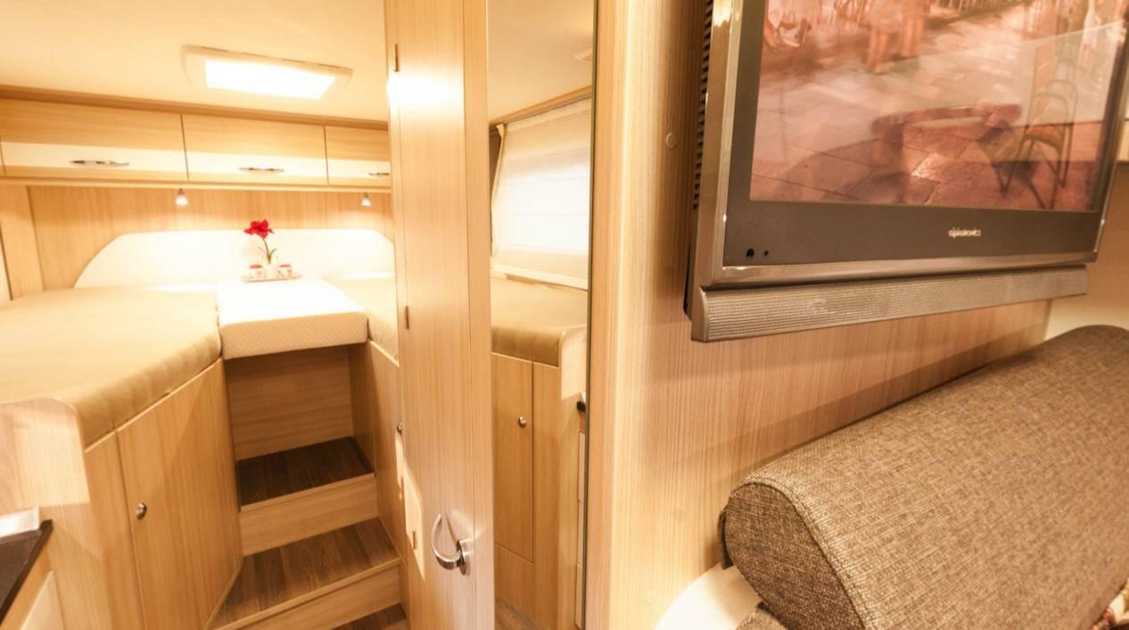 Bürstner Travel Van T620G - Interior