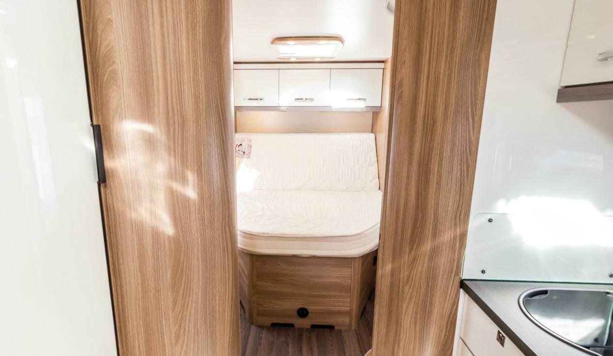Bürstner Aviano I700 - Interior