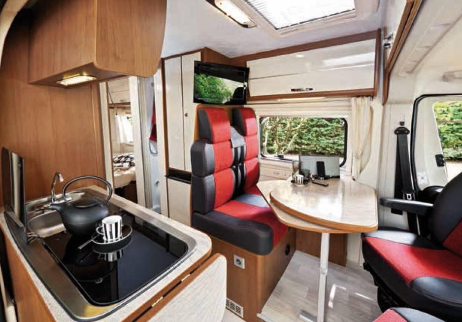 Challenger Vany 6 ACTIVE - Interior