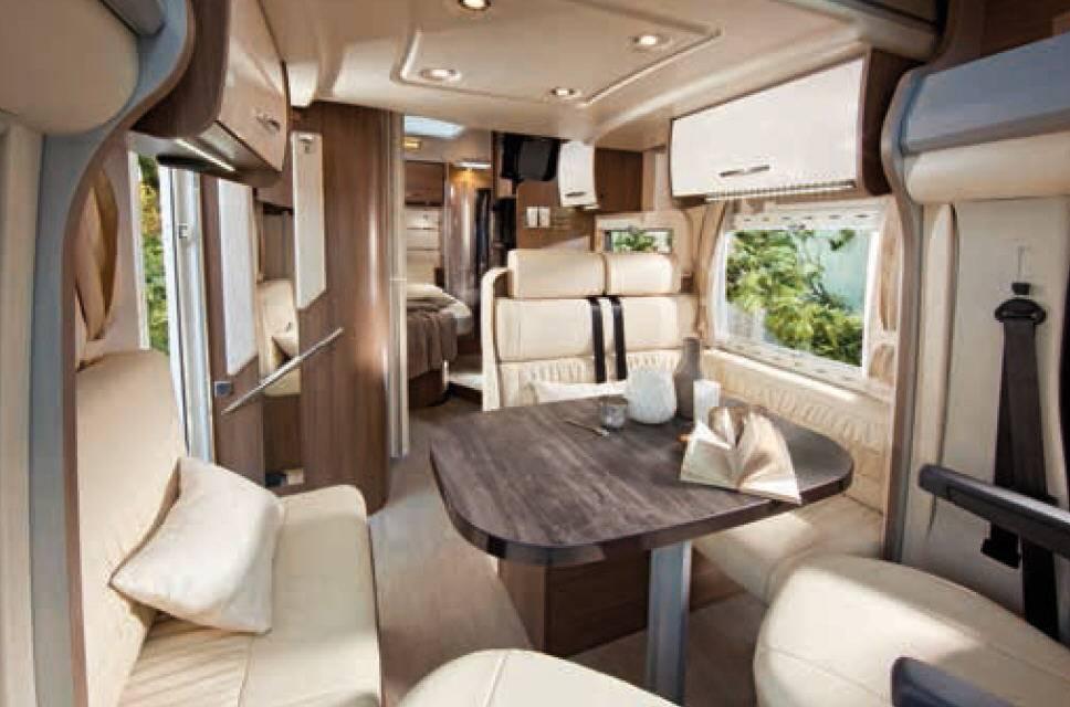 Challenger Genesis 397 - Interior