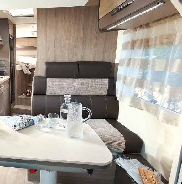 Challenger Genesis 296 - Interior