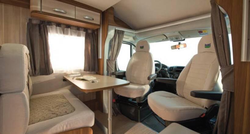 Mclouis Mc2 73G - Interior
