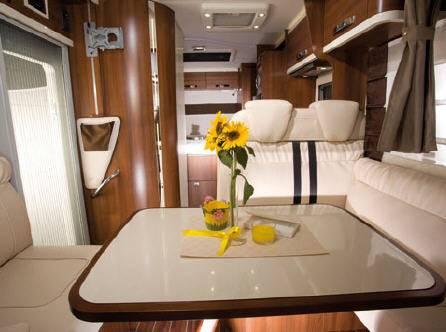 Mclouis Nevis 869 - Interior