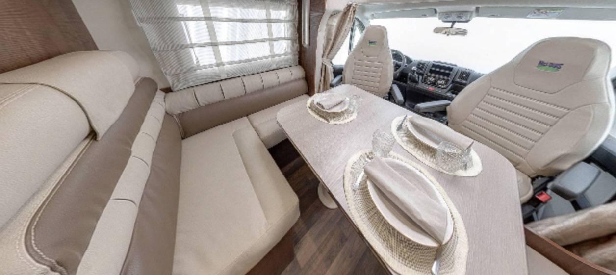 Mclouis Mc4 65 - Interior