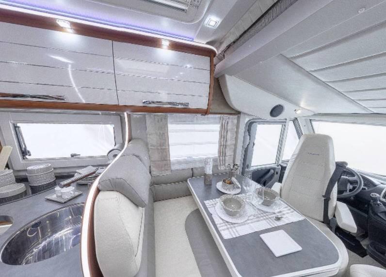 Mobilvetta K-Yacht 85 - Interior