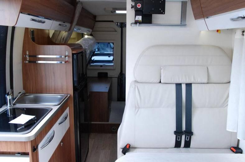 Pilote V V 630 F - Interior