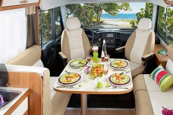 Rapido Serie 8 883 F - Interior