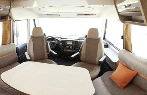 Rapido Serie 8 891 F - Interior