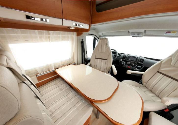 Rapido Van V 66 - Interior