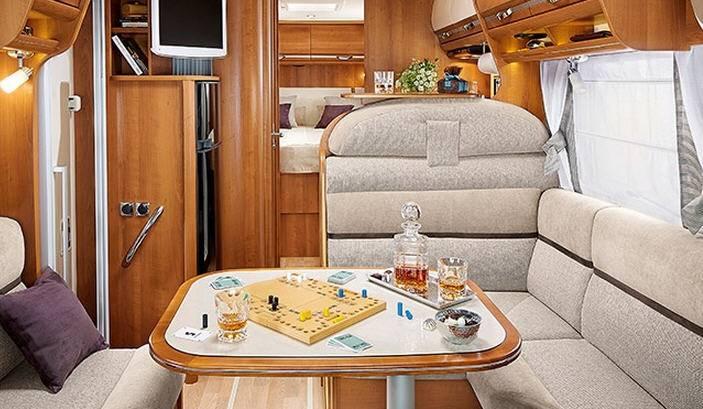 Rapido Serie 9 990 DF - Interior