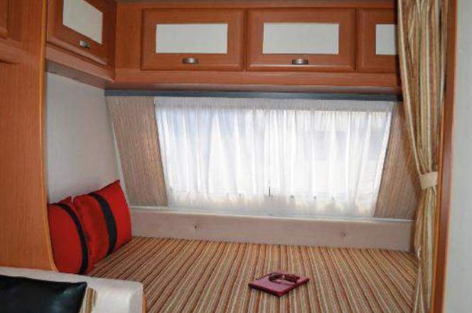 Across Car SAFARI 330 CP - Interior