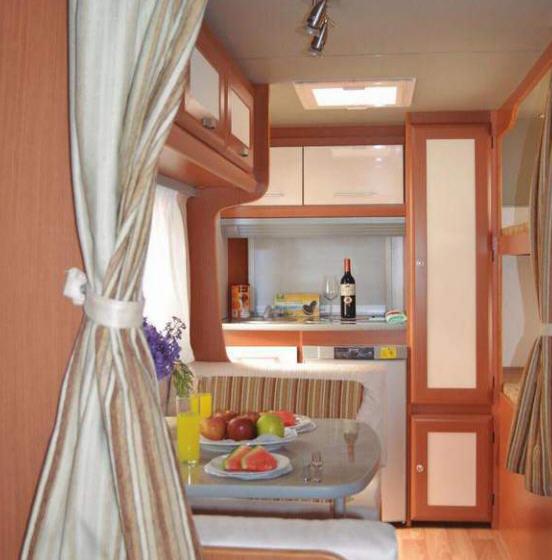 Across Car SAFARI 430 CDL - Interior