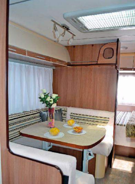 Across Car LUXOR 500 CDL - Interior